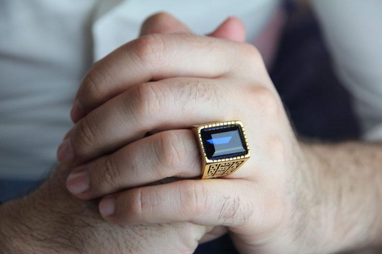 لوکس ترین جواهرات مناسب آقایان