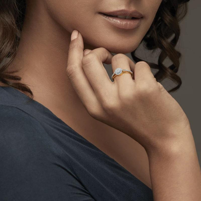 انگشتر طلا زنانه مدل باندو با سنگ الماس