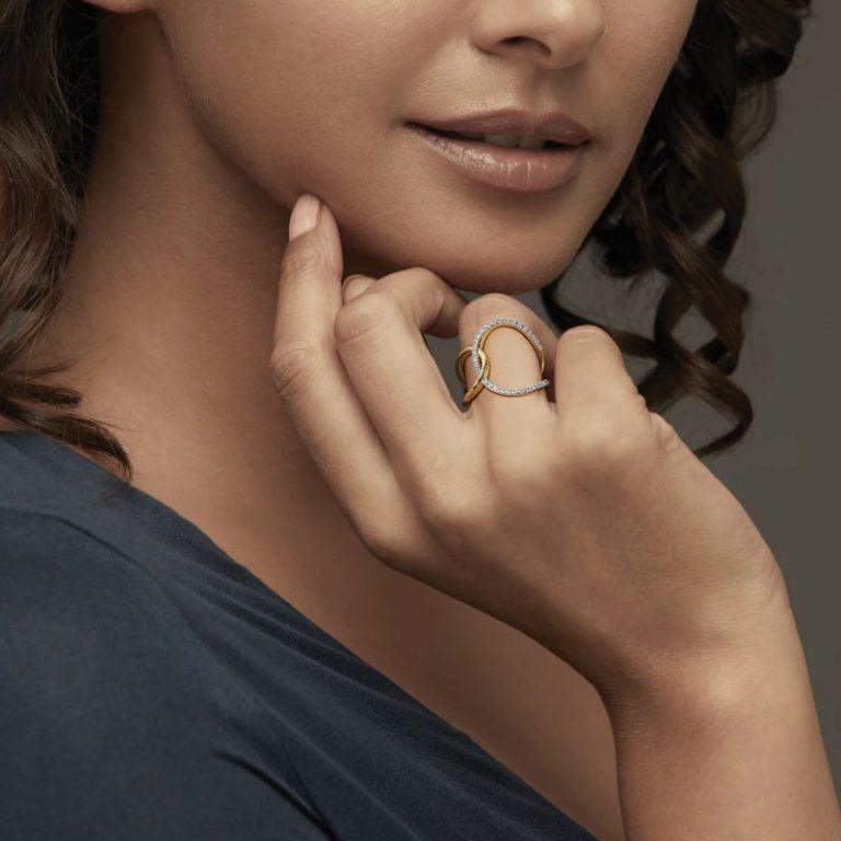 انگشتر طلا زنانه مدل رونانا با سنگ الماس