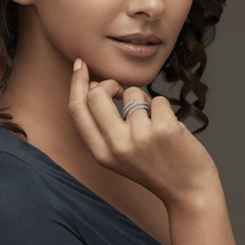 انگشتر طلا زنانه مدل تانانا با سنگ الماس